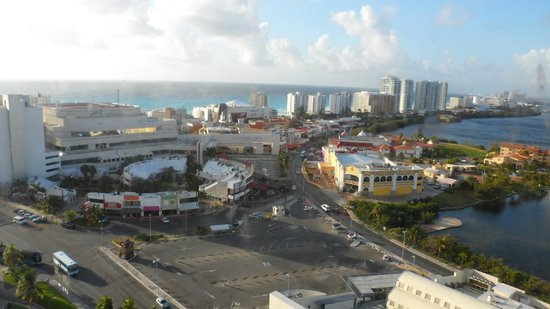 Hotel Riu Cancun:                   down town from room, 14th floor