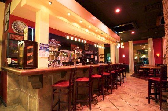 Sunset Grill: Bar