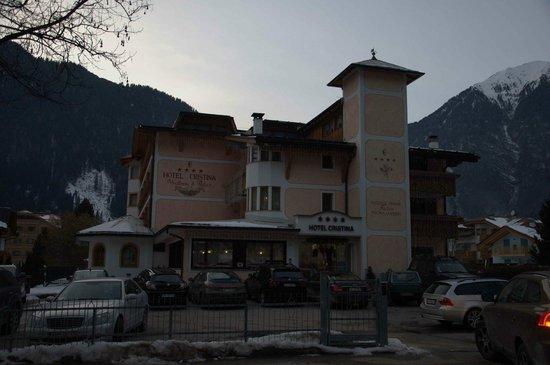 Hotel Cristina:                   vista diurna