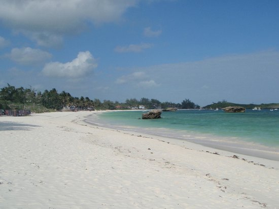 Turtle Bay Beach Club:                   Watamu Beach