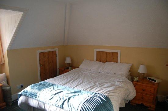The Burley Inn Hotel :                   Room 10