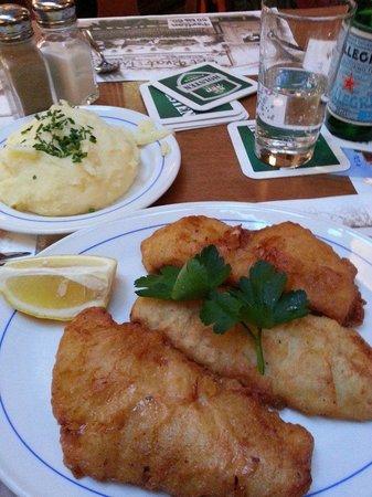 Daniel Wischer :                   GoldbarschFilet im Bierteigmantel mit frischem Kartoffel-Pürrée