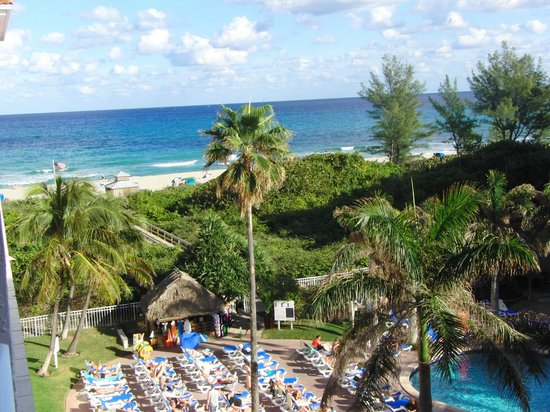 Palm Beach Shores Resort & Vacation Villas:                   miss our view !!