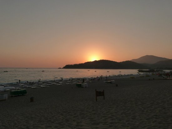 Club Belcekiz Beach Hotel:                   Sunset from hotel