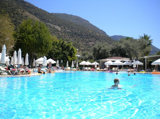 Club Belcekiz Beach Hotel:                   Pool during the day