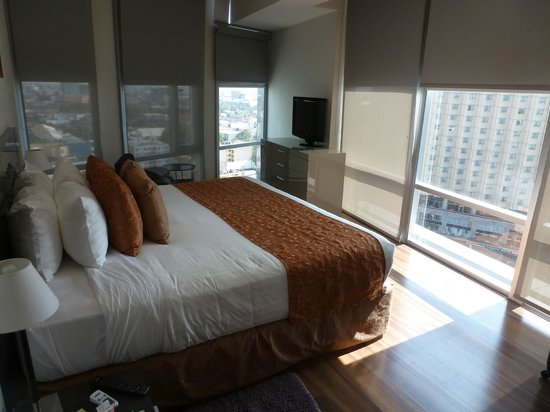 Plaza Suites Mexico City:                                     Master bedroom.