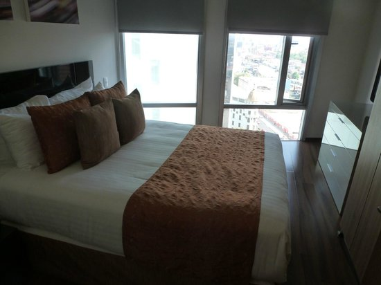 Plaza Suites Mexico City:                                     Second bedroom.