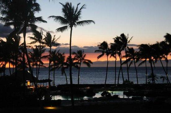 ذا فيرمونت أوركيد هاواي: Just after sunset, looking just south of Maui westward.