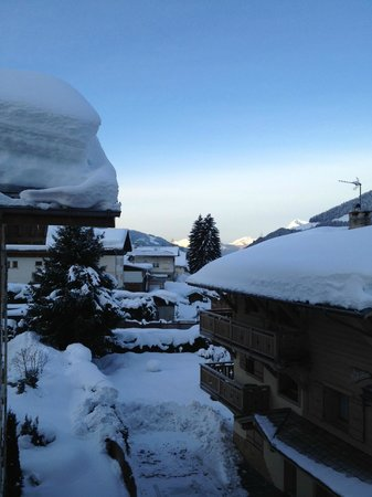 La Cremaillere Hotel :                                     loads of snow for our stay!