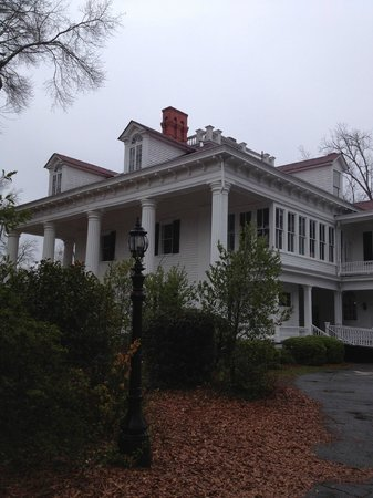 The Twelve Oaks Bed & Breakfast:                                     side street view