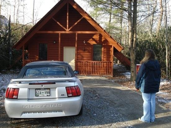 Honeymoon Hills Cabin Rentals:                   me outside of garden of Eden