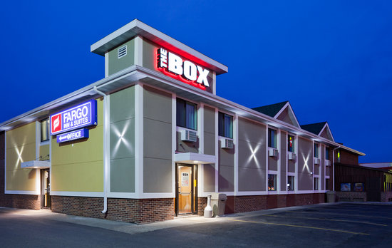 Fargo Inn & Suites: The Box