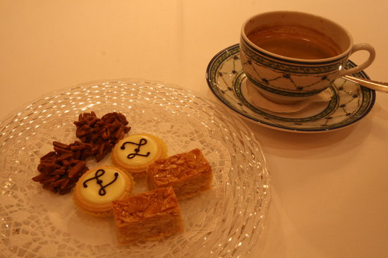 Restaurant Baur:                   Nice coffee complemented with sweets