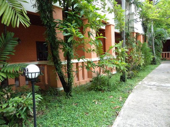 Hyton Leelavadee Phuket:                                     Resort