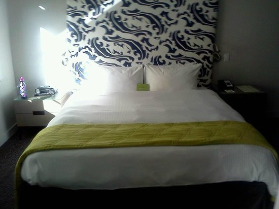 Hotel Breakwater South Beach:                                     Bedding