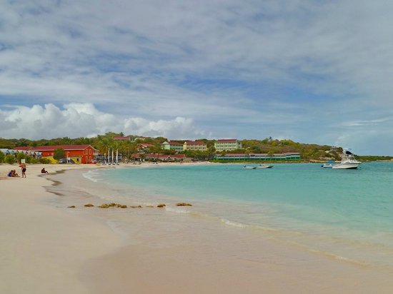 Grand Pineapple Beach Antigua: View of the hotel from end of the bay