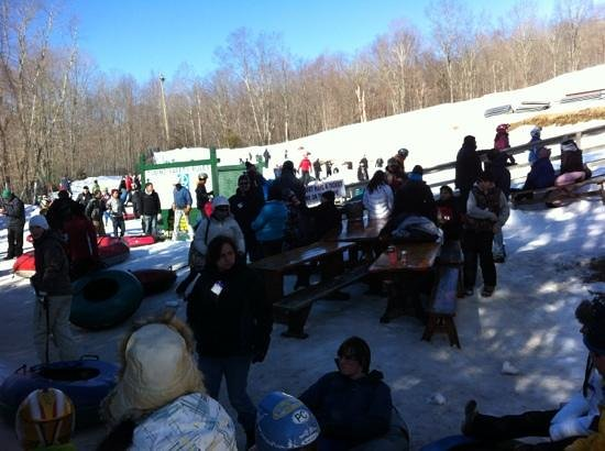 Woodbury Ski Area:                   crazy crowds