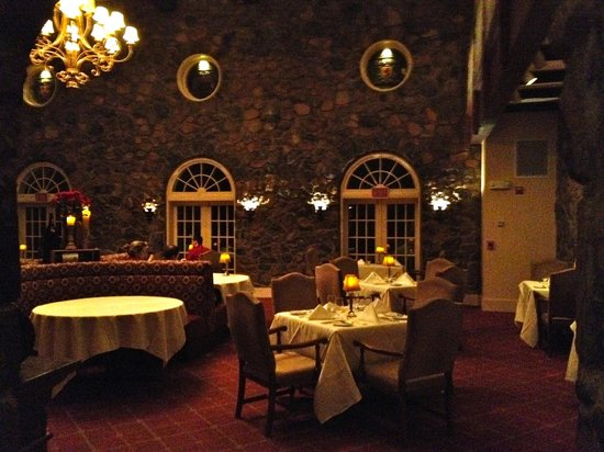 The Manor House Restaurant:                   Dining Room