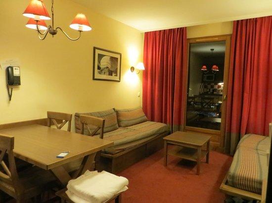 Résidence Les Chalets Valoria : Living room