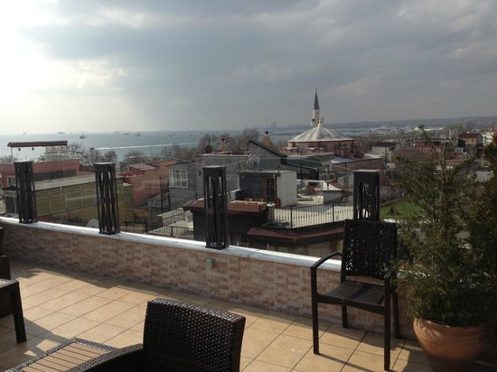 Hotel Amira Istanbul: Rooftop lounge is tops.