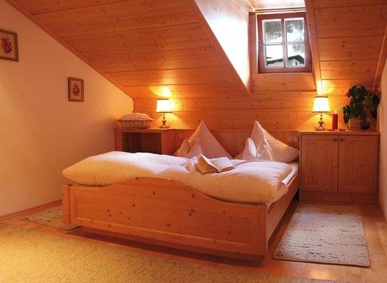 Altes Thonihaus: Zimmer