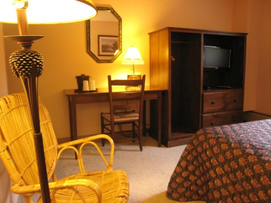 Sugar Lodge at Sugarbush: Standard Queen Room