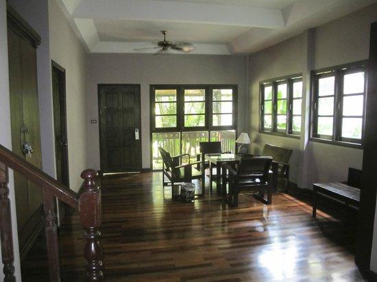 Fair House Beach Resort & Hotel: Inside bungalow