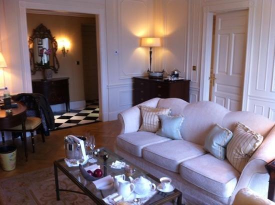 The Savoy:                                     lounge