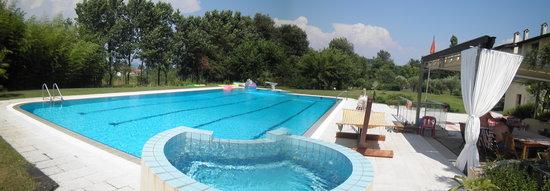 Ochine del Basso Lago : piscina