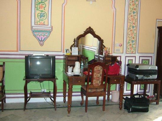 Narain Niwas Palace:                   Room 47