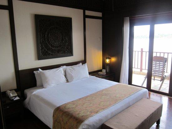 Bukit Merah Laketown Resort:                   Room on check-in