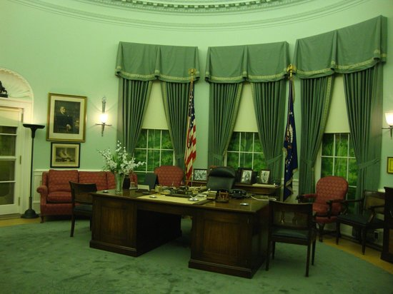 Harry S. Truman Library and Museum: 1950 Oval Office