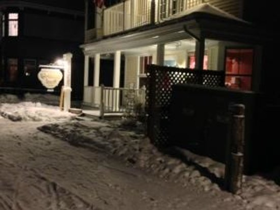 Cottage Inn of Mackinac Island :                   Cottage Inn in winter, at night.