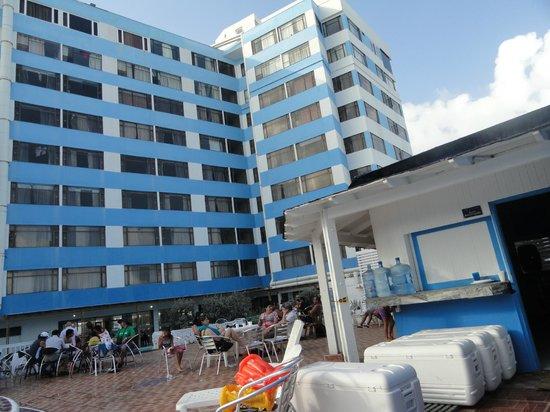Hotel Blue Tone:                                                       Zona bar