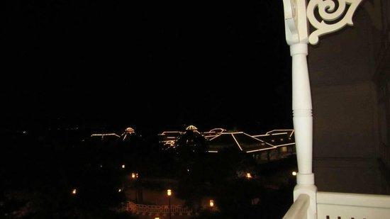Hong Kong Disneyland Hotel: Night view