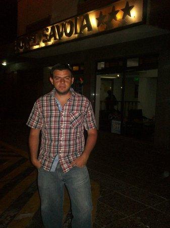 Hotel Savoia :                   en la entrada del hotel