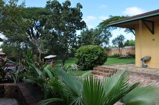 Jacana Gardens Guest Lodge:                   Grounds