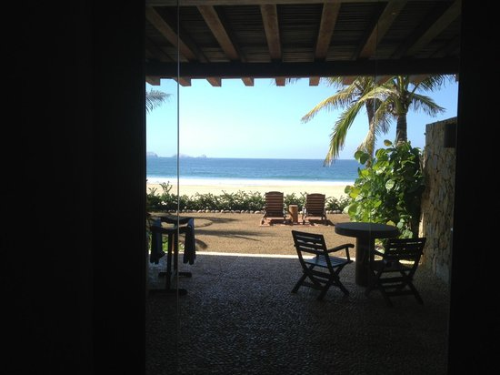 Las Palmas Beachfront Villas:                   View from the bed