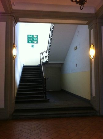 Hotel Anna's :                   Hall d'entrée principal.