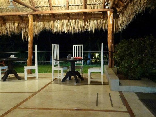Seis Playas Hotel:                   Dining area at night