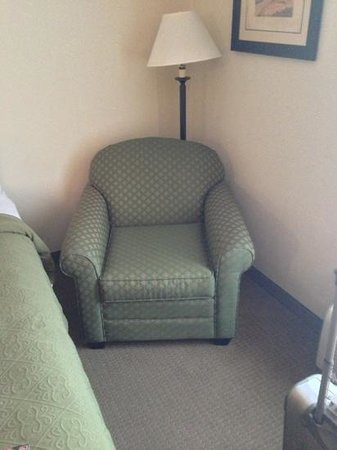 Quality Inn: sitting area, 127