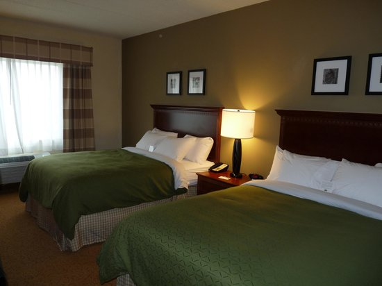 Country Inn & Suites By Carlson, Buffalo South I-90:                   double queen room