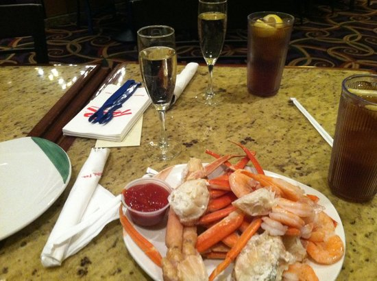 Carnival World & Seafood Buffet:                   Crab legs and Champagne are What I Come For