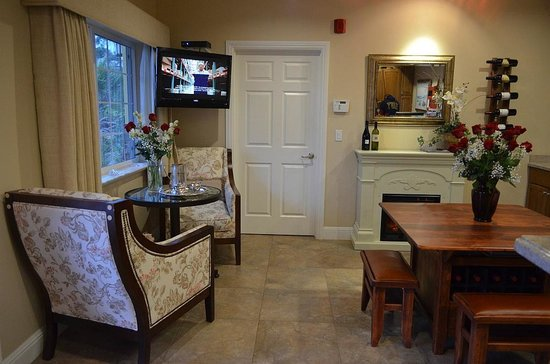 Bella Notte - The Inn at East Cliff: Reception Area