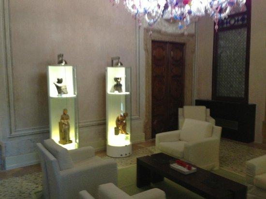 Hotel Palazzo Giovanelli:                   Museum type art in Common Area
