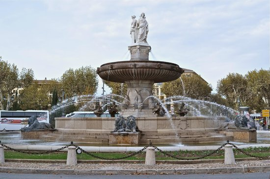 Tour Designer in Provence Private Tours:                                     More fountains