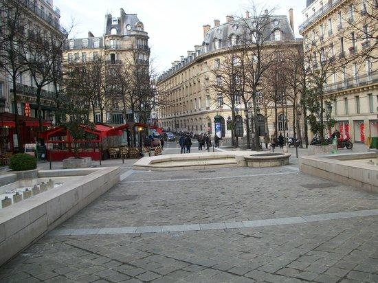 Sorbonne ornement porte picture of la sorbonne paris for Hotel de la sorbonne