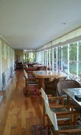 Los Ponchos Apart Boutique:                   Corredor donde se puede desayunar