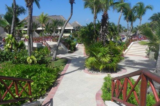 Grand Bahia Principe Coba:                   pool area at Akumal