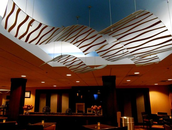 Hampton Inn Fishkill : lobby/dinning area